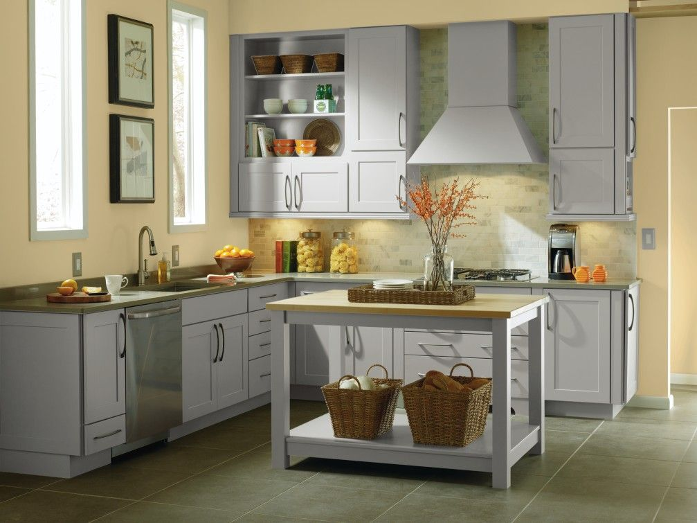 A Modern Look With A Simple But Sophisticated Feel This Contemporary Kitchen Uses Elston Cabinet