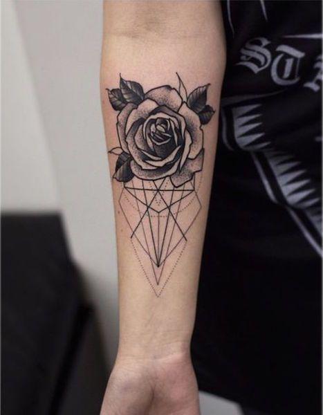 14 Tatoos geométricas incríveis   Tatuagens falsas, Tatuagens geométricas,  Idéias de tatuagem femininas