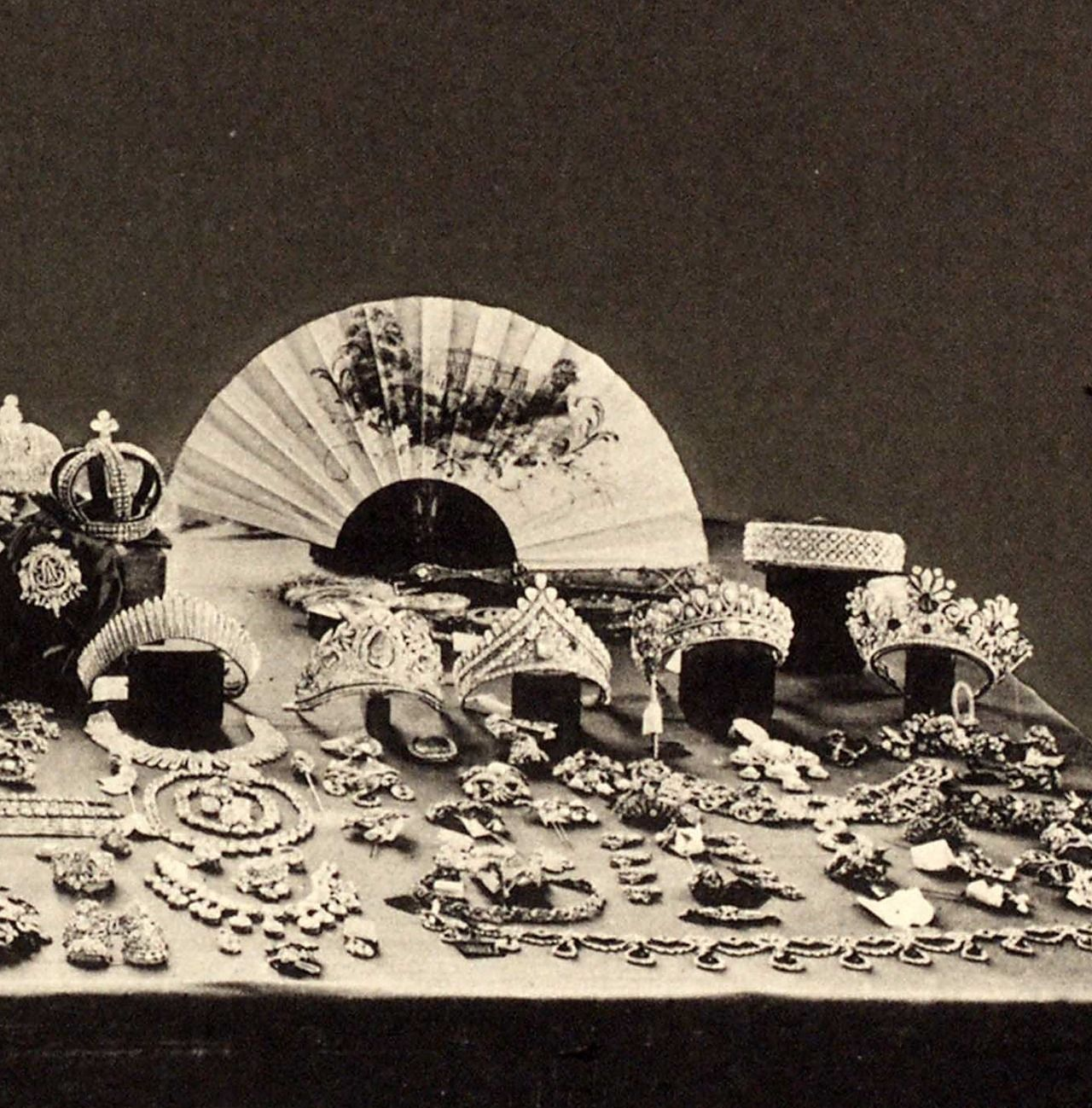 A 1925 photo of the Russian Crown Jewels after the revolution.