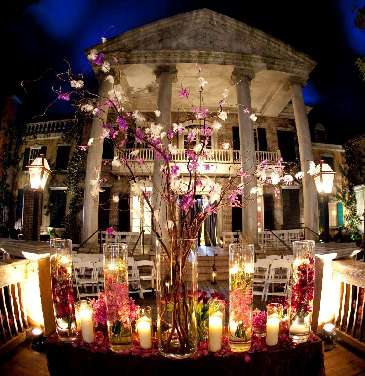 Grand Oaks Mansion At Mardi Gras World