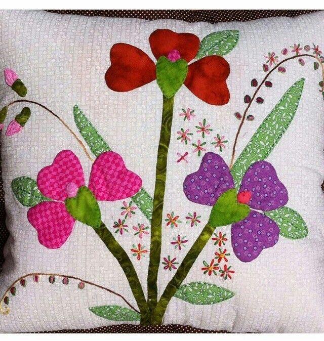 Flores coj n patchwork mery edredones de apliques - Cojines de diseno ...
