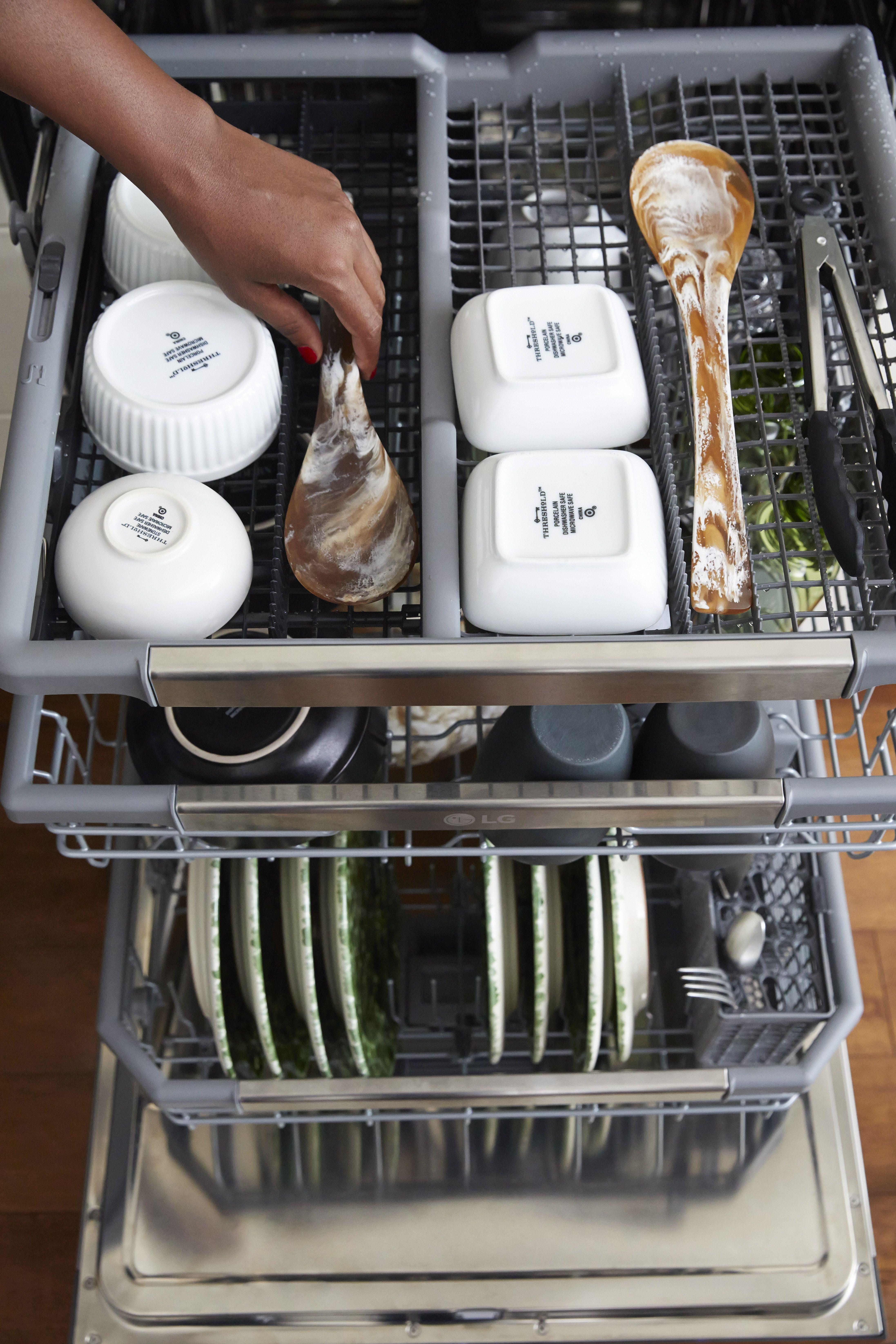 Lg Dishwasher Adjustable 3rd Rack Lg Dishwashers Cleaning Dishes Serving Utensils