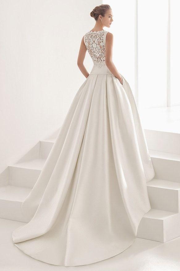 Robe de mariée Nao   La collection 2017 de Rosa Clará dévoilée - Journal  des… Βρείτε αυτό το pin και πολλά ακόμα στον πίνακα Λευκά νυφικά φορέματα  ... 261e59e5bf0