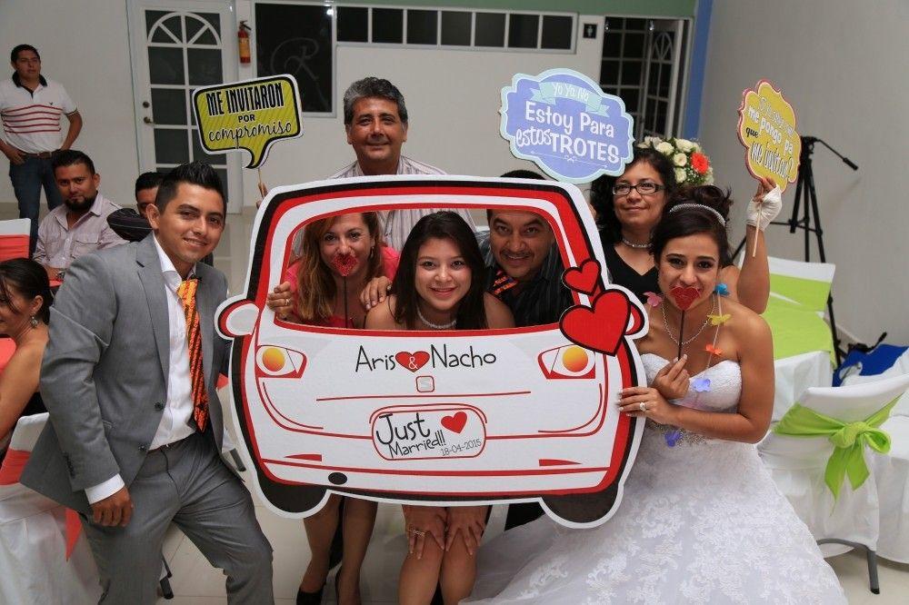 Divertidos marcos para la fiesta! Bodas.com.mx 📷Pável Ortiz ...