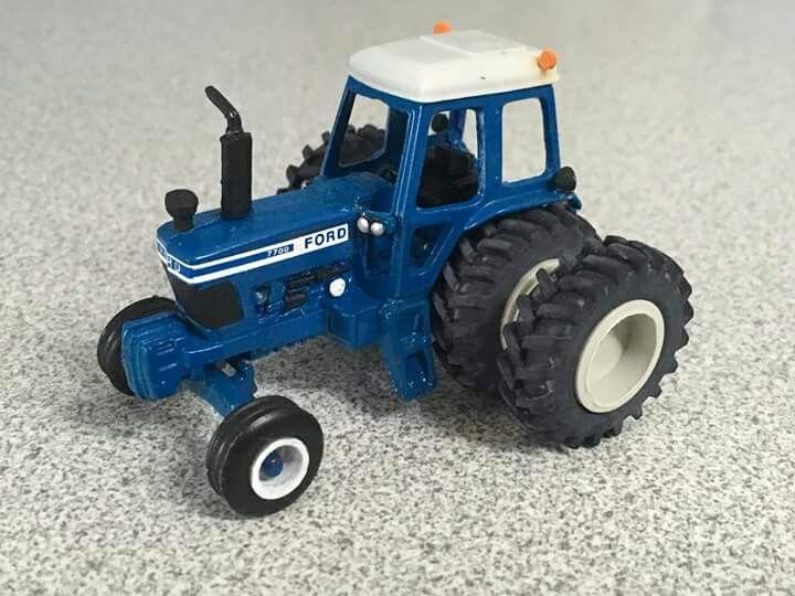 Custom 1 64 Ford 7700 Farm Toy Display Farm Toys Tractor Toy