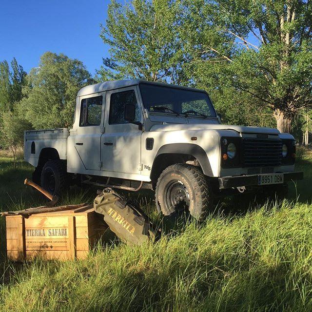 defender camp !! #vintage #heritage #bushcraft #landrover