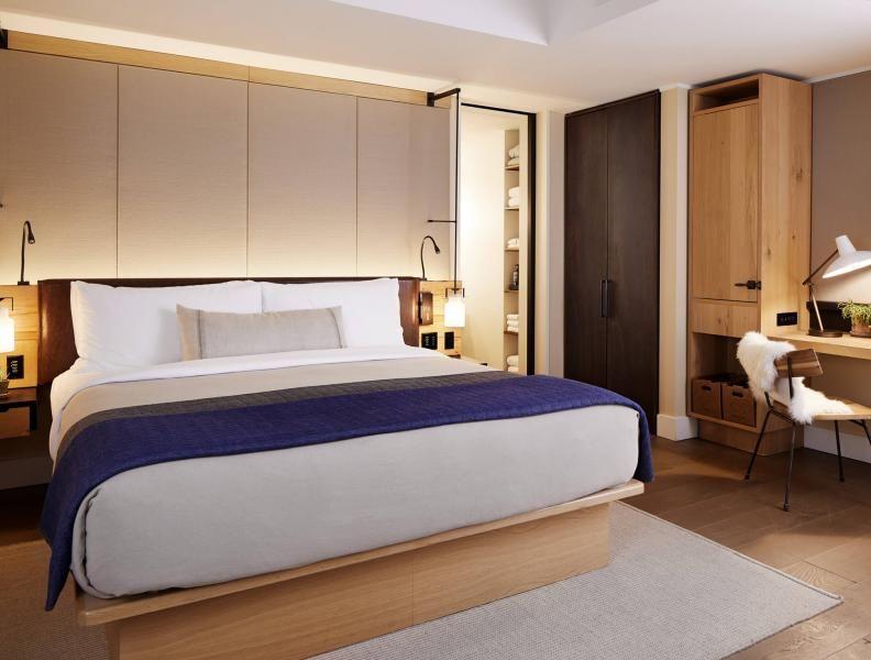 Alcove Queen With Images Hotel Queen Room Bedroom Hotel