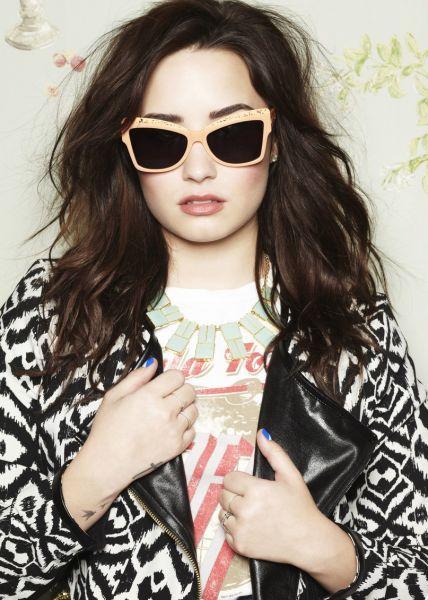 #popstar #face #eyes #lips #smile #beautiful #woman #girl #young #cute #smile #demi #demetria #lovatic #staystrong #demi #demilovato #lovatics #singer #beauti #famous #Demetria #Devonne #darck #magazine #2012  #COMPANYMAGAZINE