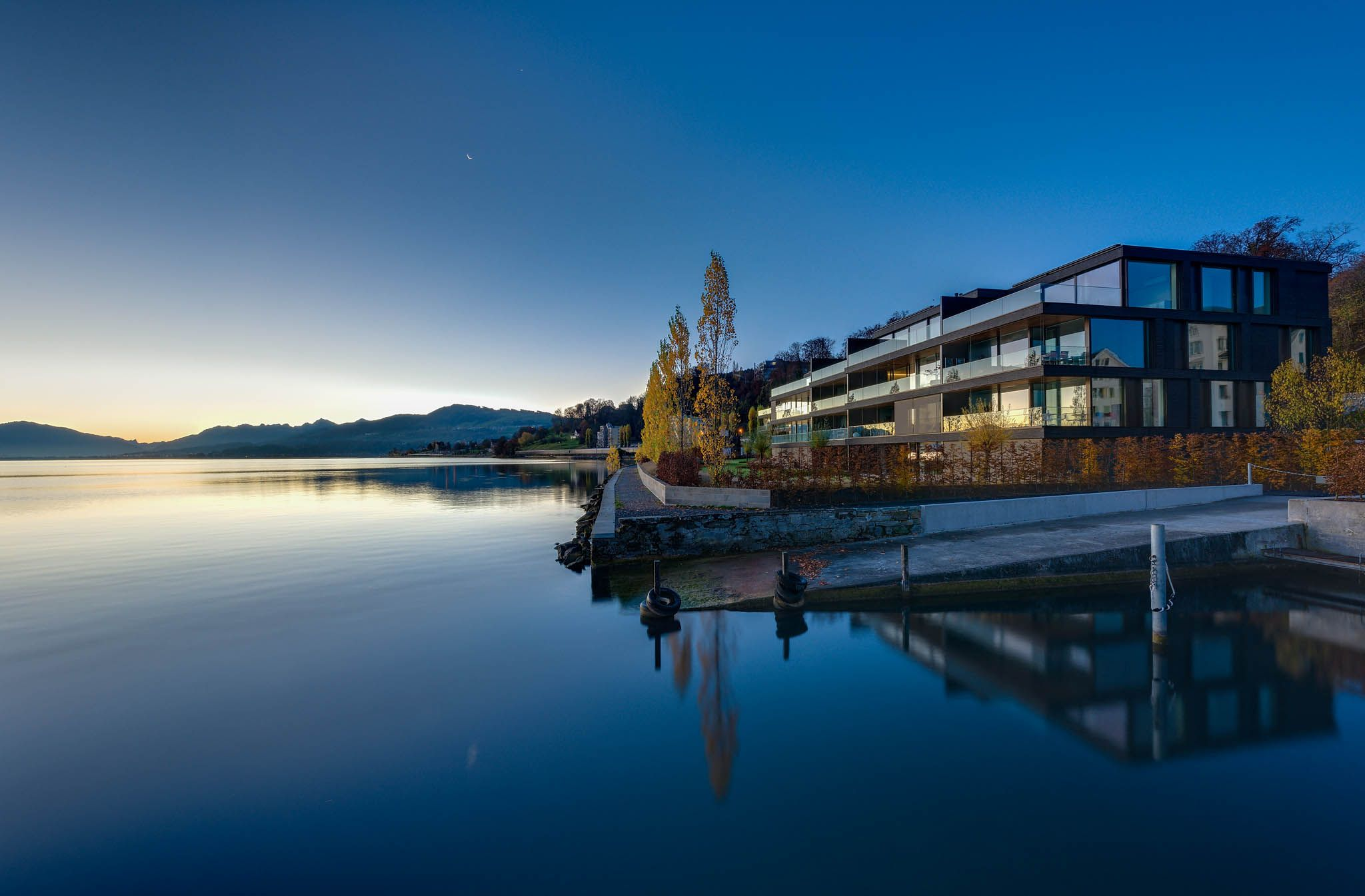 Peninsula Beach House, Switzerland Architecture: Buchner Bründler Architekten, Switzerland www.bbarc.ch Photography: Soenne, Architekturfotograf DGPh, Germany www.soenne.com