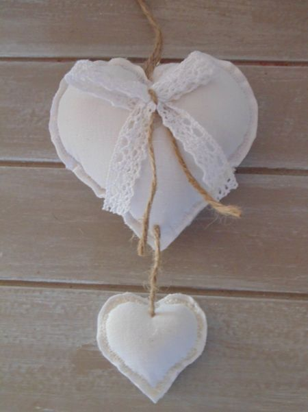 4 Shabby Chic Style Coeurs-Blanc /& Rouge ♡