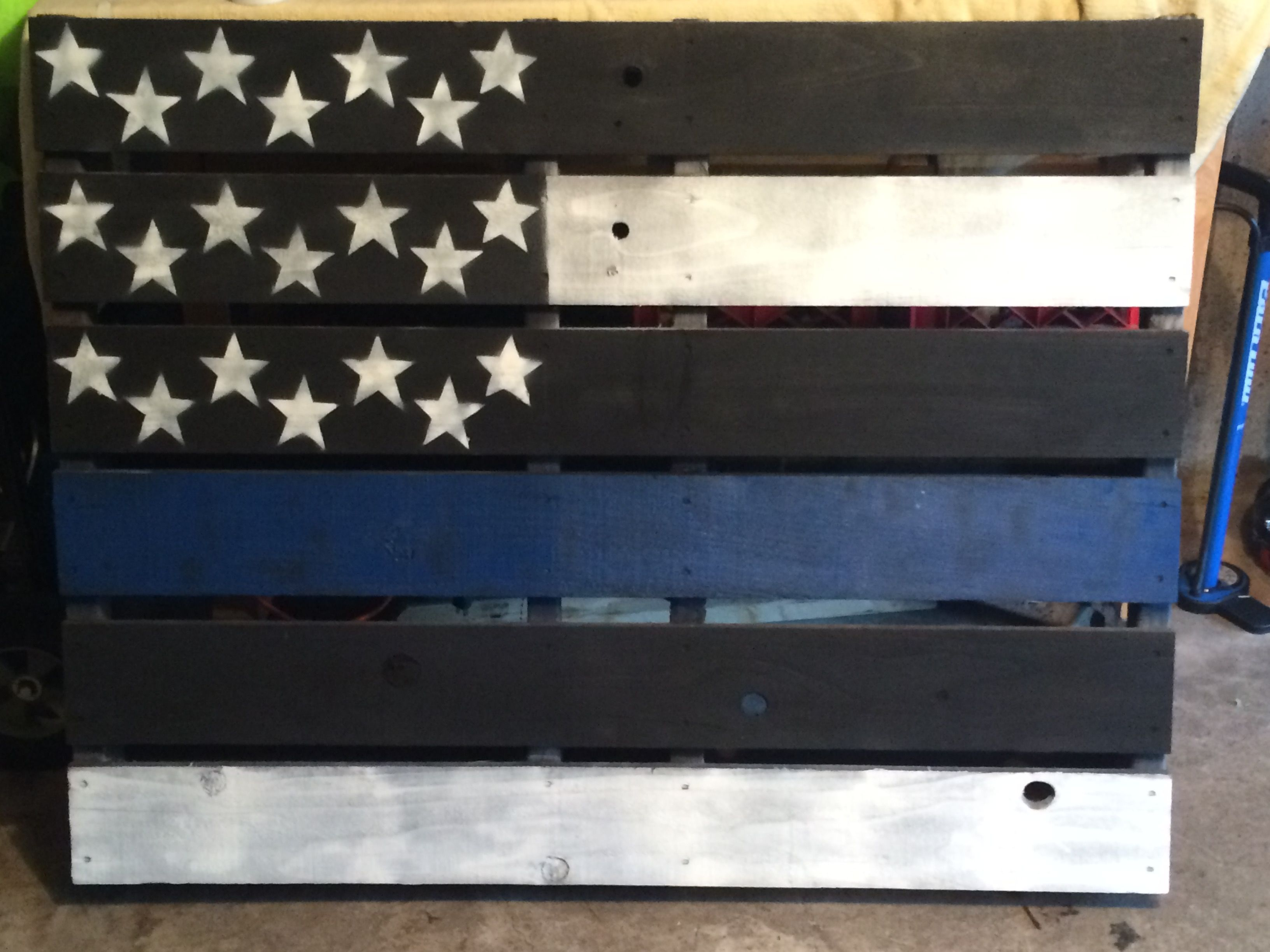 Thin Blue Line Pallet Flag Diy