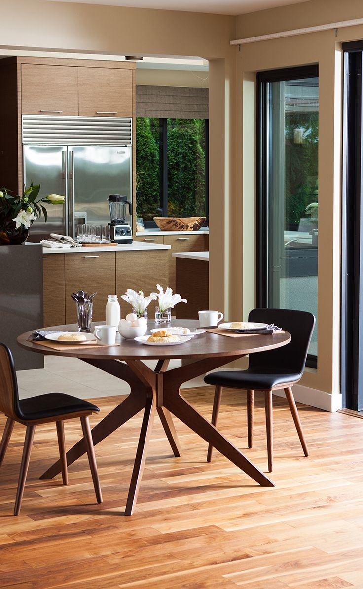 A Peaceful Space. Made Inviting By The CONAN Round Table And SEDE Leather Dining  Chairs Design Ideas