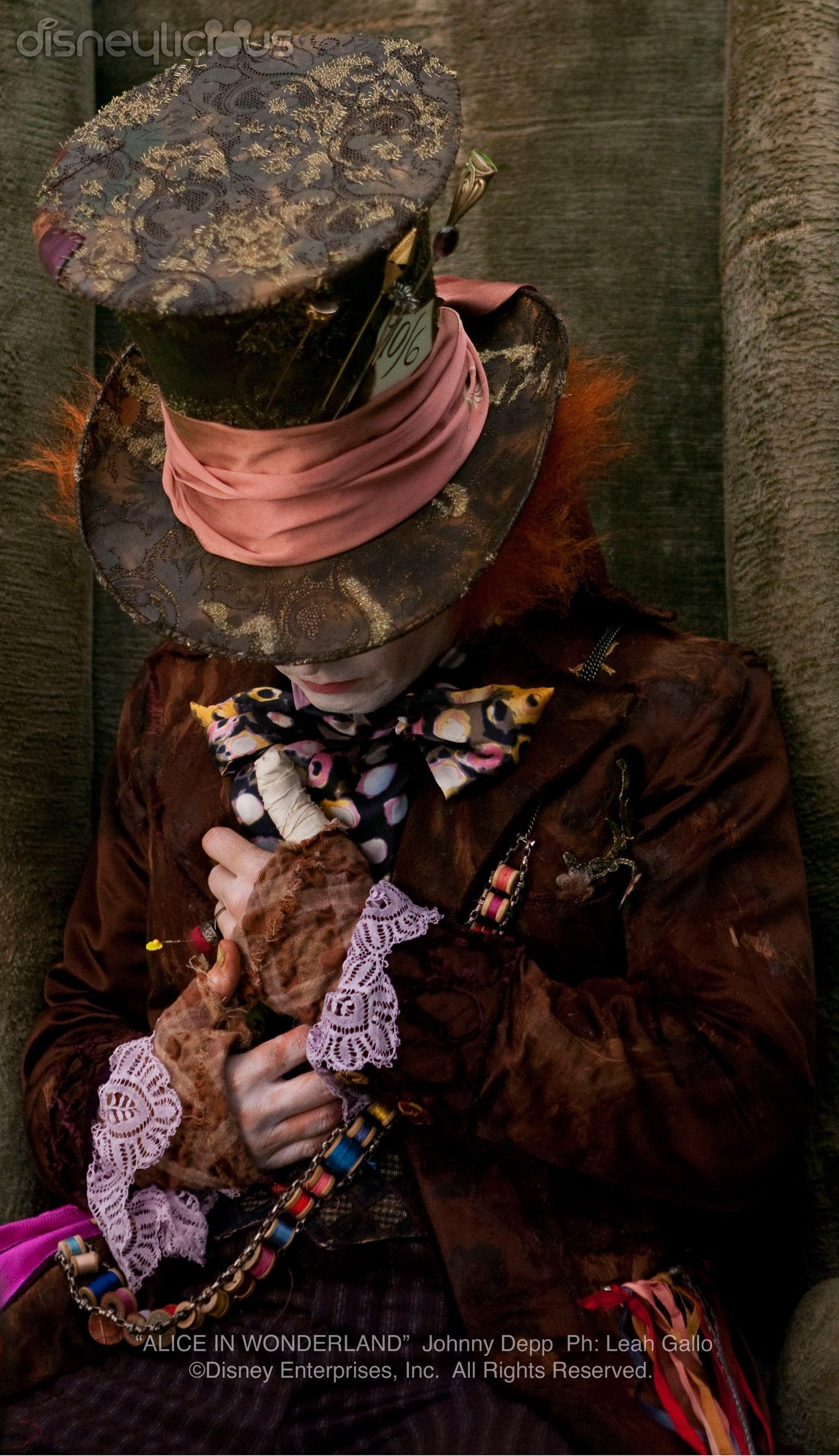 tim burton art alice in wonderland: The mad hatter