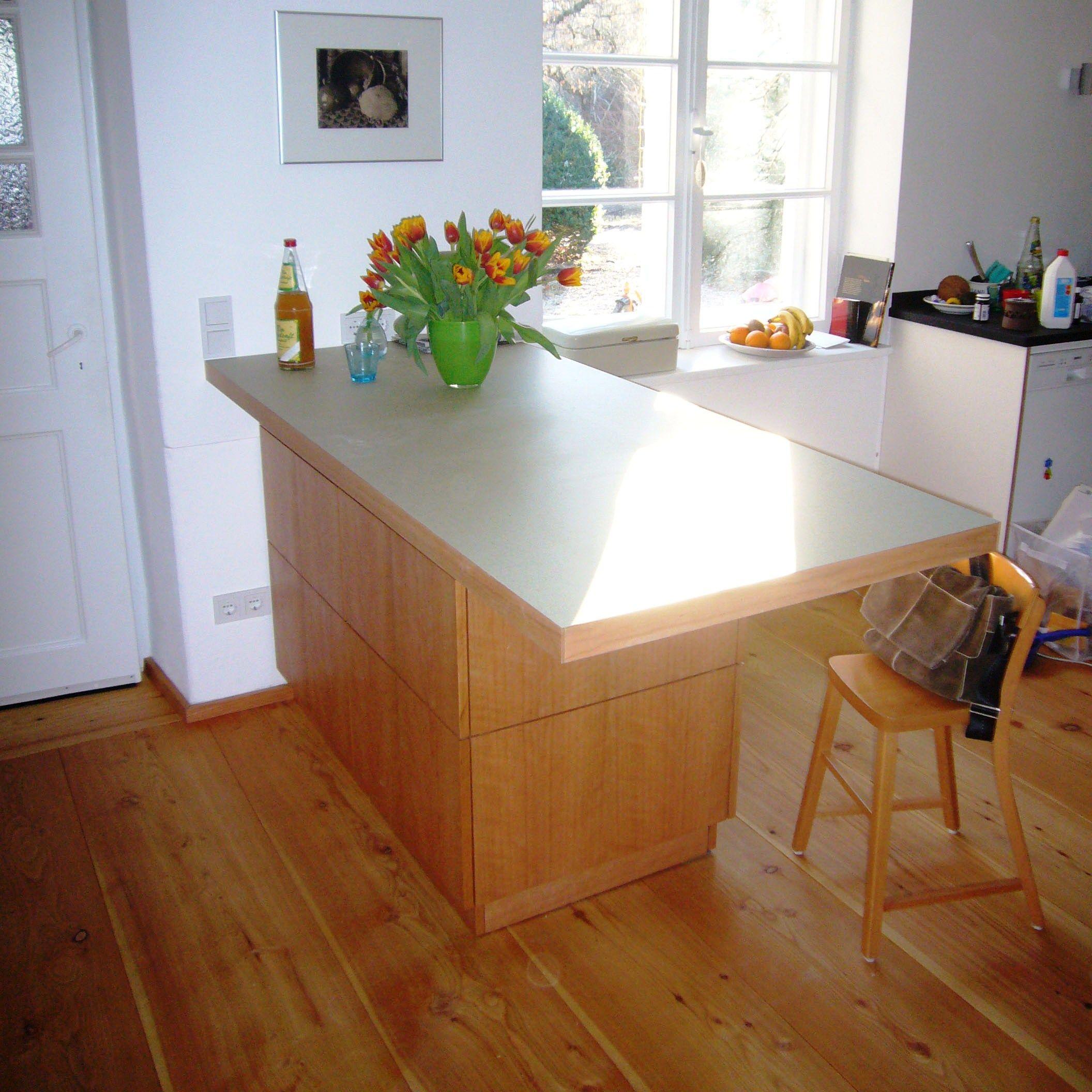 #Küchenzeile in #Kirschbaum und #Resopal beschichteter Platte