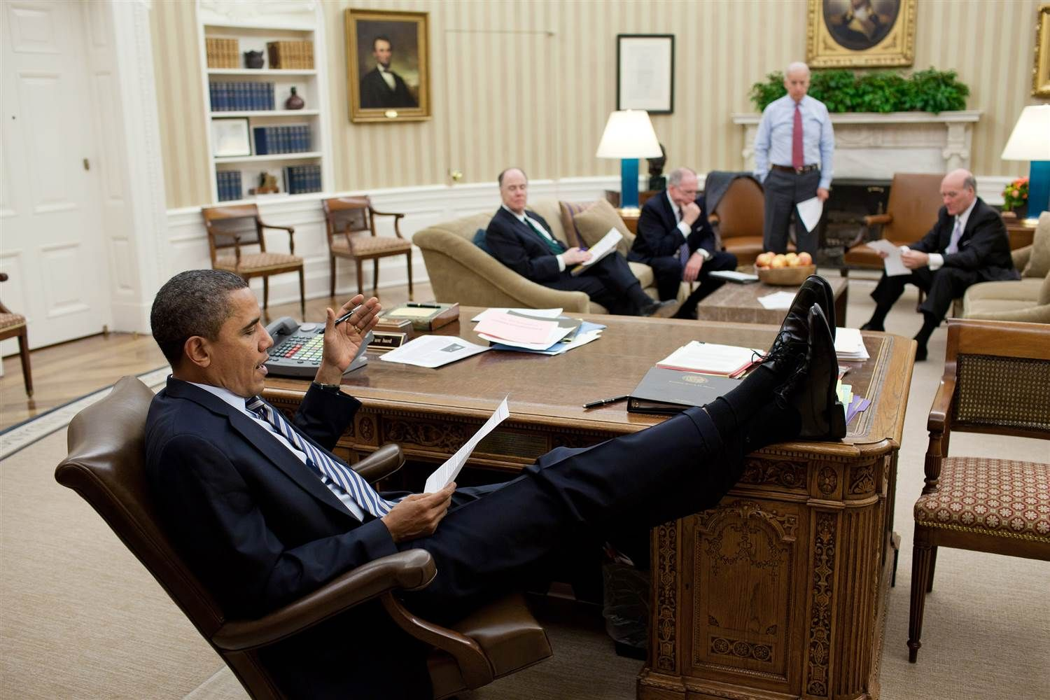 obamas oval office. Image: Obama Holds A Meeting In The Oval Office February 2011 Obamas N