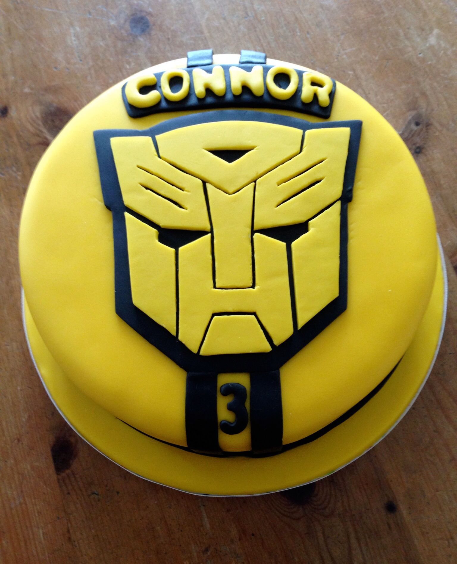 17 11 13 Bumblebee Transformer Birthday Cake