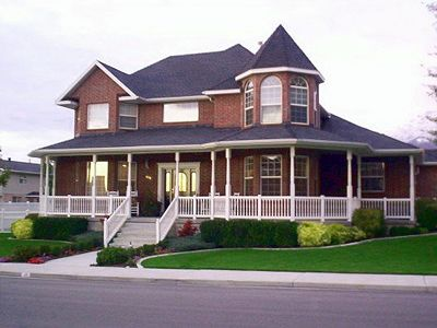 Brick Colonial With A Wrap Around Porch Future House Wrap Around Porch House