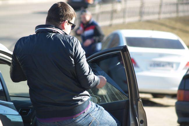 Крымские власти рассчитывают, что ГАИ на полуострове во время переходного периода не будет штрафовать и снимать номера за избыточную тонировку автомобилей.