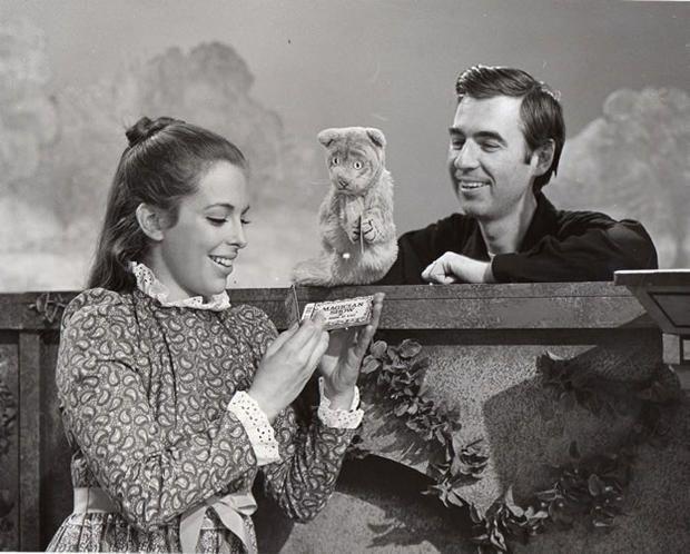 24 Rare Photos From Mister Rogers Neighborhood Mr Rogers Mister Rogers Neighborhood Lady Aberlin