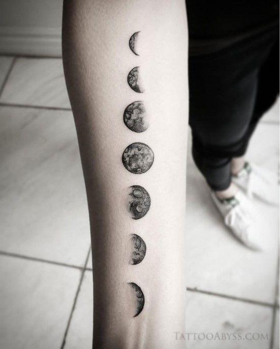Fantastic Moon Tattoos for Men [Latest Tatuagem