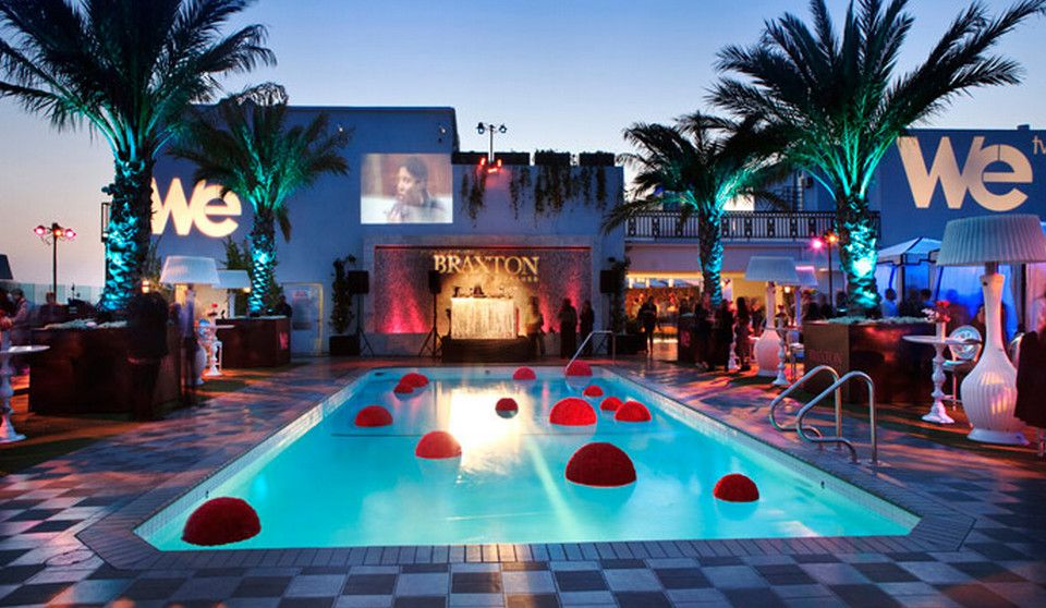 Decorations for pool party ideas pools backyards for Fiesta de piscina