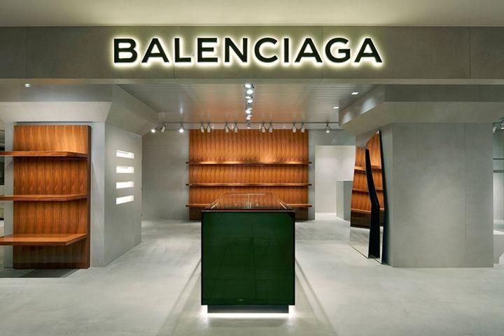 6491ef8b5a19 Balenciaga shop-in-shop Tokyo Japan