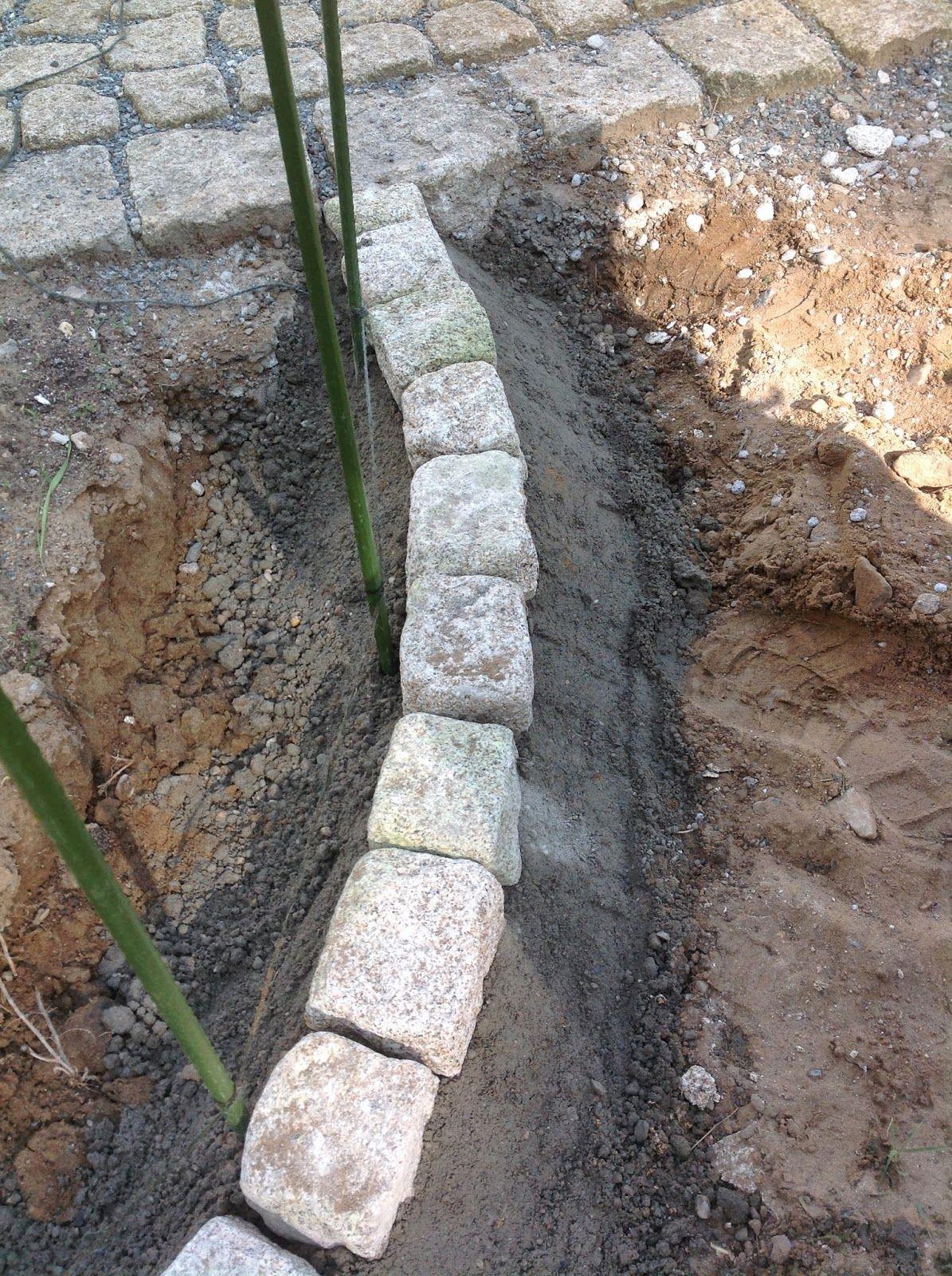 Unsere Stadtvilla Bautagebuch Beetabgrenzung Bzw Rasenkante Aus Granit Selbst Bauen In 2020 Rasenkanten Garten Rasen