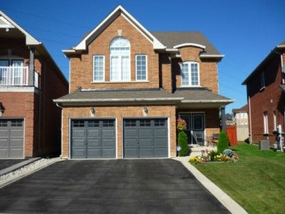 Amazing 4 Bedroom House For Sale In Brampton Near James Potter Home Interior And Landscaping Palasignezvosmurscom