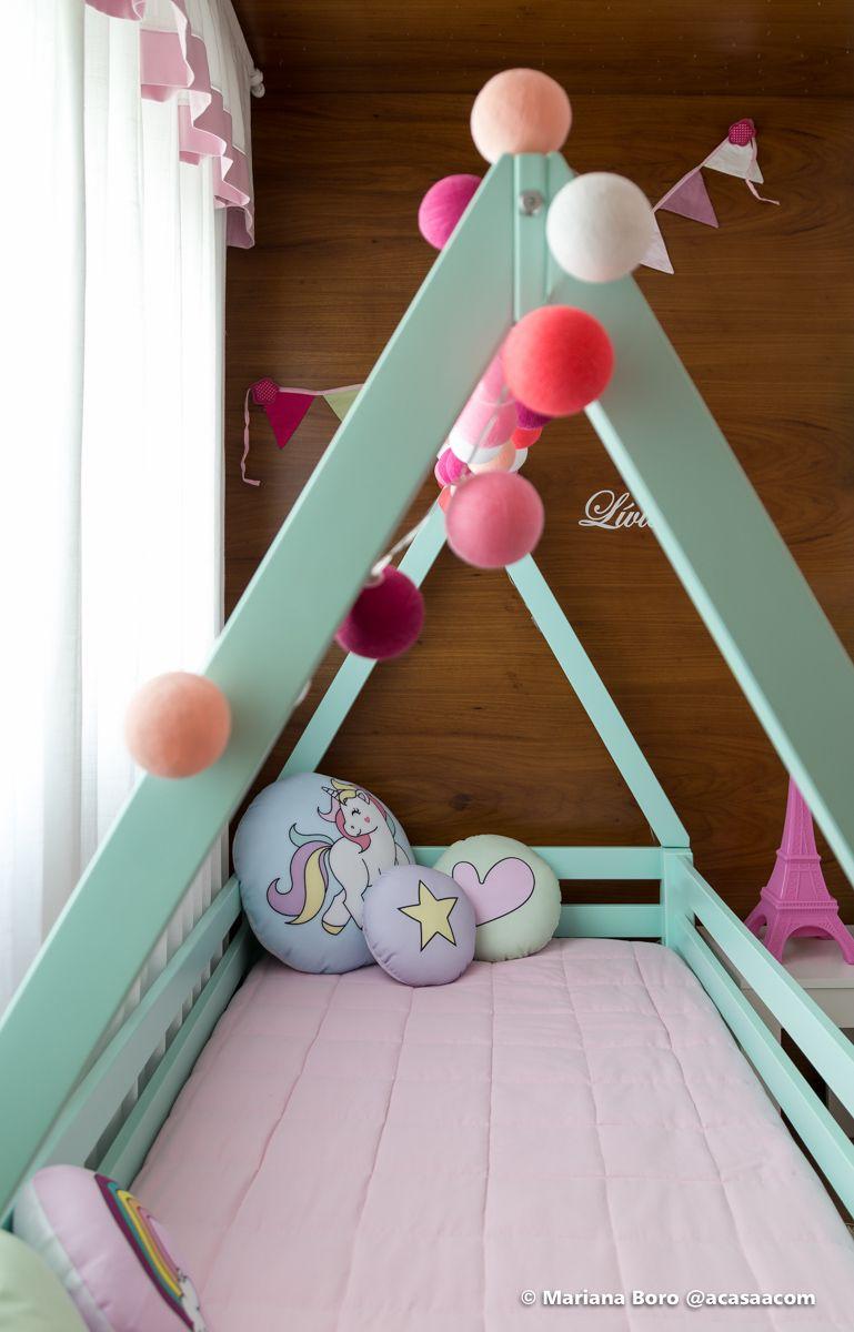 0f269fb120 Cama infantil com almofadas da Nuvens de Papel  fórmicaliquida  almofadas  personalizadas