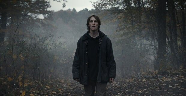 مسلسل Dark الموسم الثالث يتصدر محرك بحث Google مشاهدة وتحميل مسلسل Dark Season 3 Best Mystery Series Netflix Netflix Releases