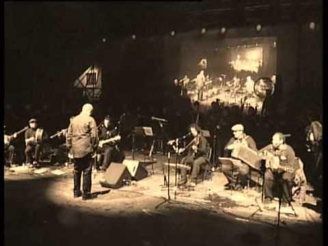 "Banda Gaites Llacín, En ""Llanes al Cubo"" (Chalaneru)... - YouTube"