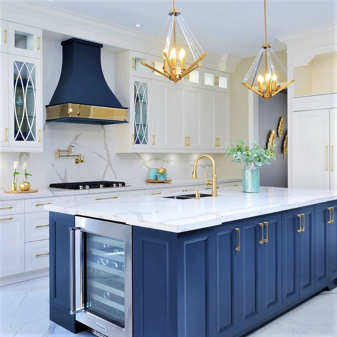 The Blue Island And Gold Hardware Add A Touch Of Elegance To This Stunning Kitchen Kitchengoals For Home Decor Kitchen Kitchen Design Modern Kitchen Design Blue and gold kitchen
