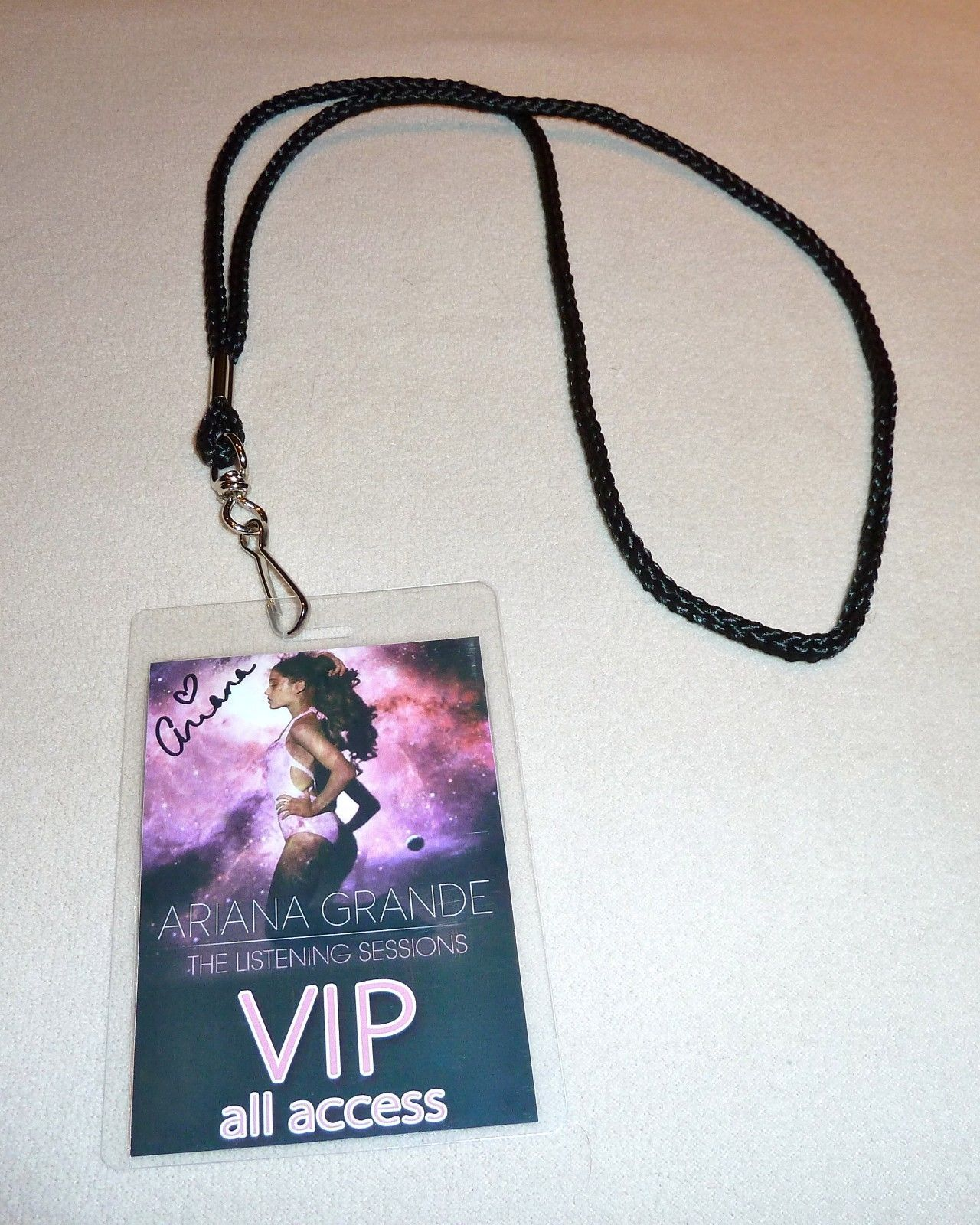 ARIANA GRANDE SIGNED THE LISTENING SESSIONS VIP ALL ACCESS