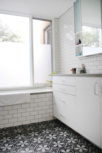 White Tiles With Black Groot/ Patterned Floor Tiles/ Vintage Inspired  Bathroom/black And White Bathroom Interior/ Juodas Baltas Vonios  Interjeras/ Rastuotos ... Part 86