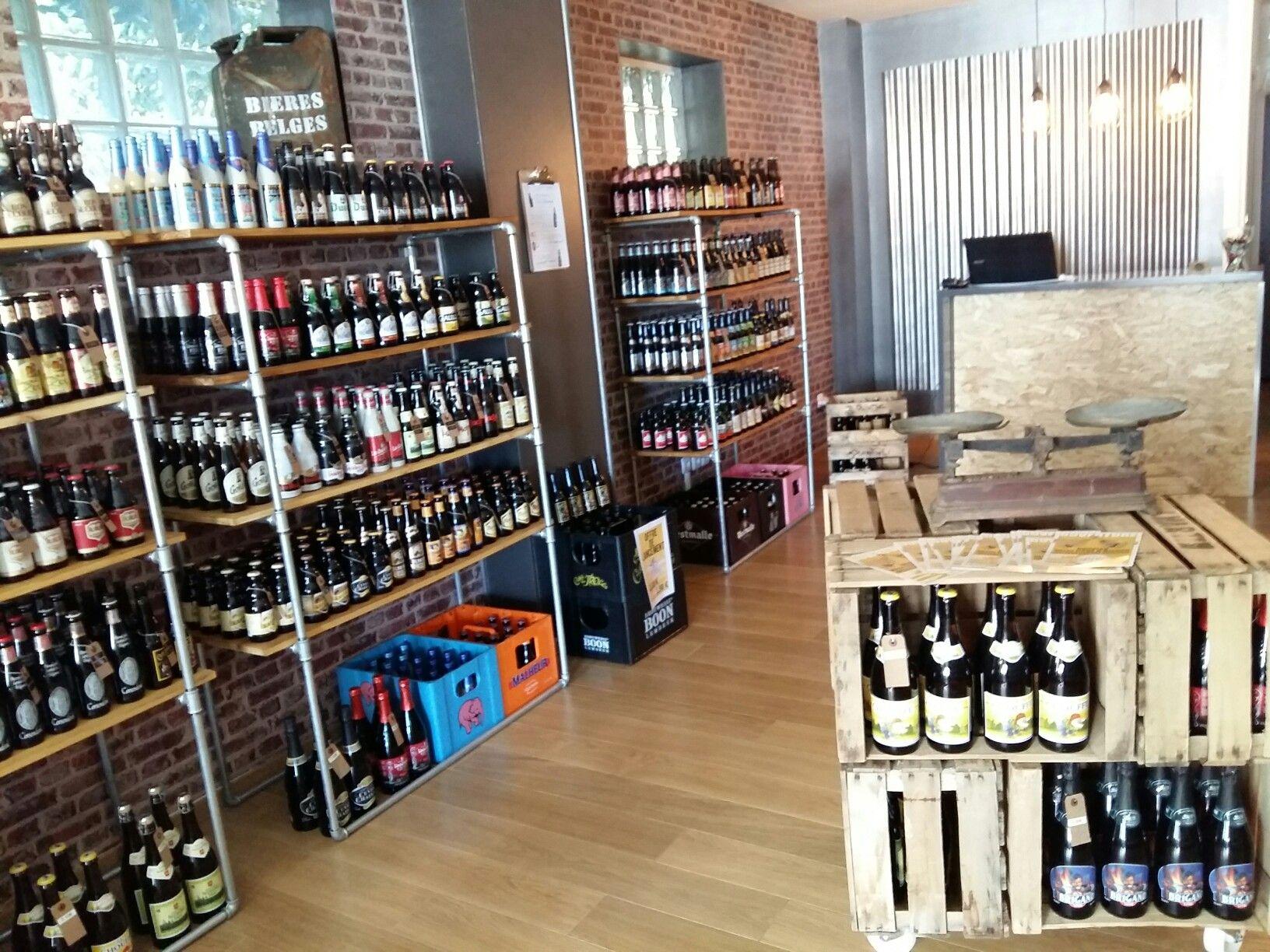 des capsules des bi res beer shop diy boutique deco vitrine cagettes furniture cave bieres. Black Bedroom Furniture Sets. Home Design Ideas