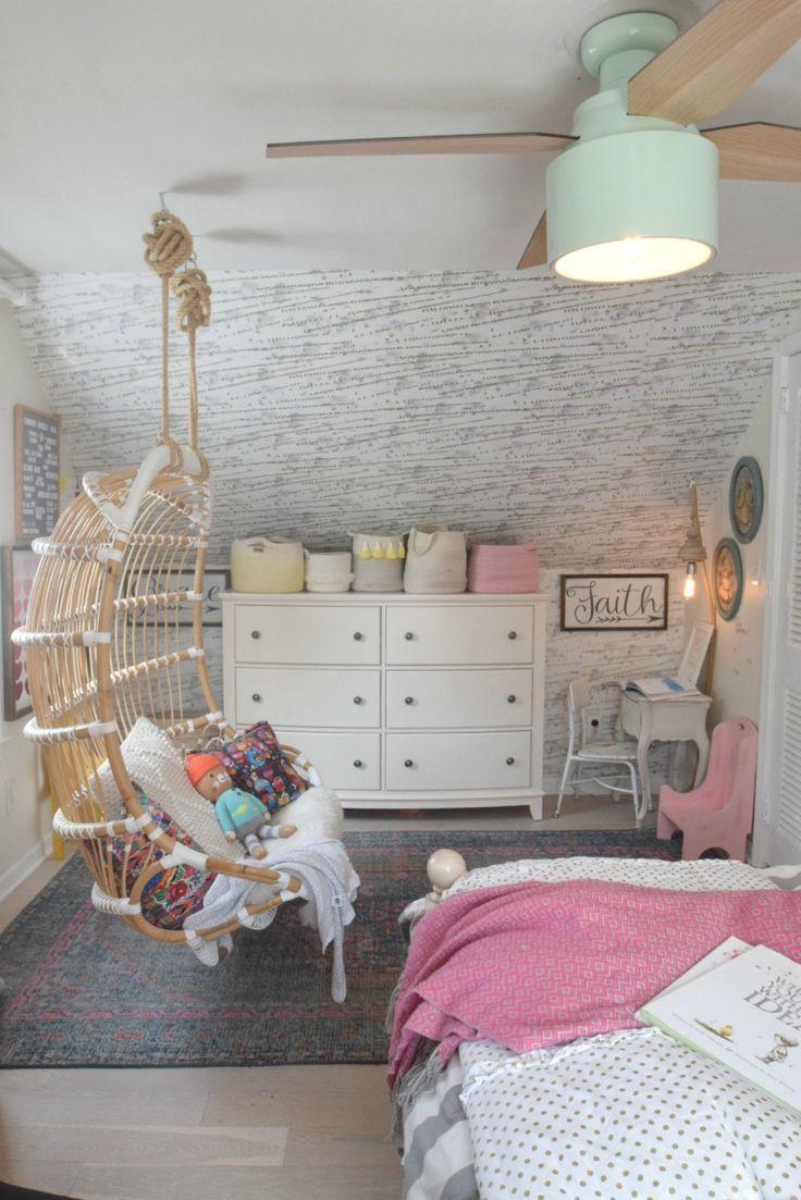 Wallpaper Accent Wall In Girls Shared Bedroom Decoracao Quarto Pequeno Quarto Do Frozen Decoracao De Quarto