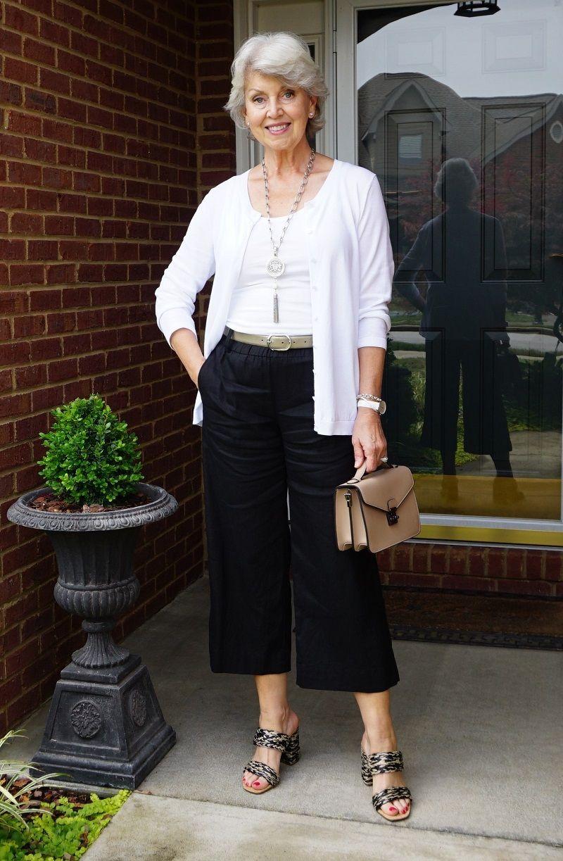 Friday Date Night Stylish Older Women Older Woman Outfit Older Women Fashion [ 1223 x 800 Pixel ]