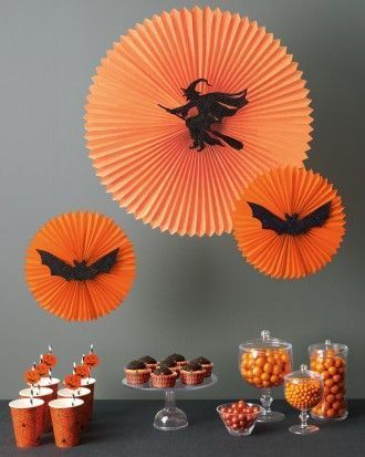 Large selection of easy DIY Halloween crafts and decor! Halloween