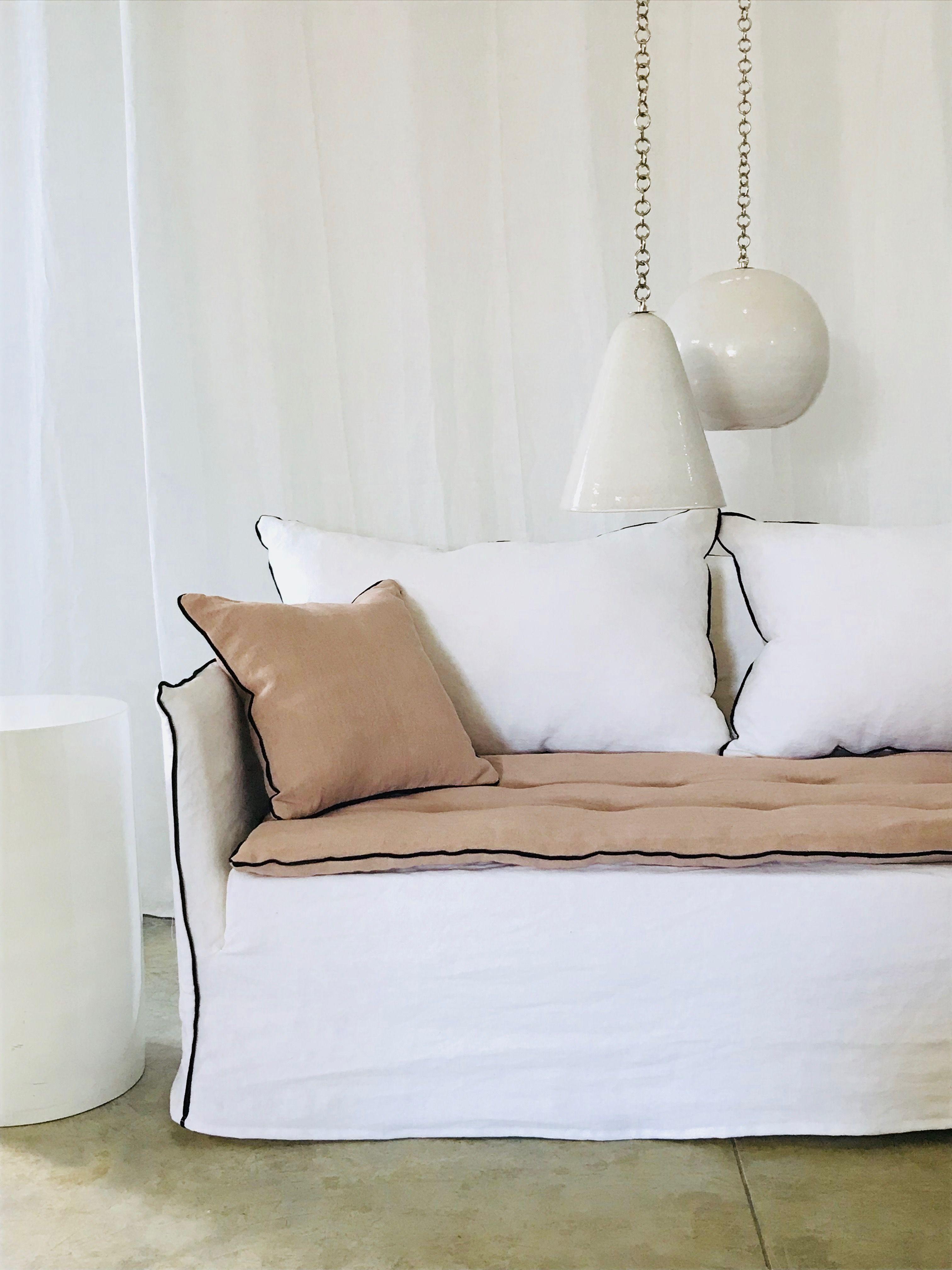 Canape Sur Mesure Lin Lave Blanc Avec Sofa Cover Lin Lave Rose The Meuble Canape Petit Canape Canape