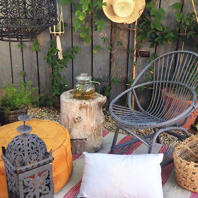 Pause au jardin à 18h.  #garden #outdoor #teatime #bazar #rattanfurniture…