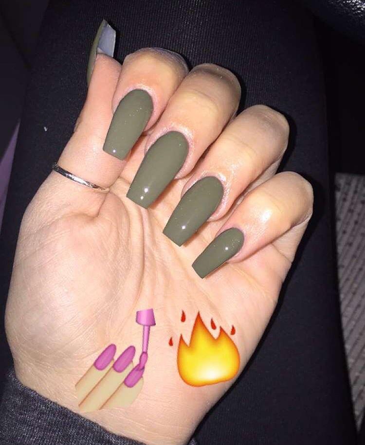 queennn313 claws