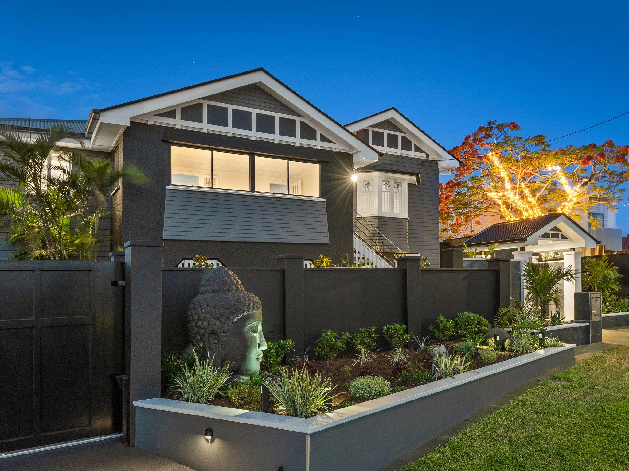 Art Deco Queenslander External & Landscape (With images ...