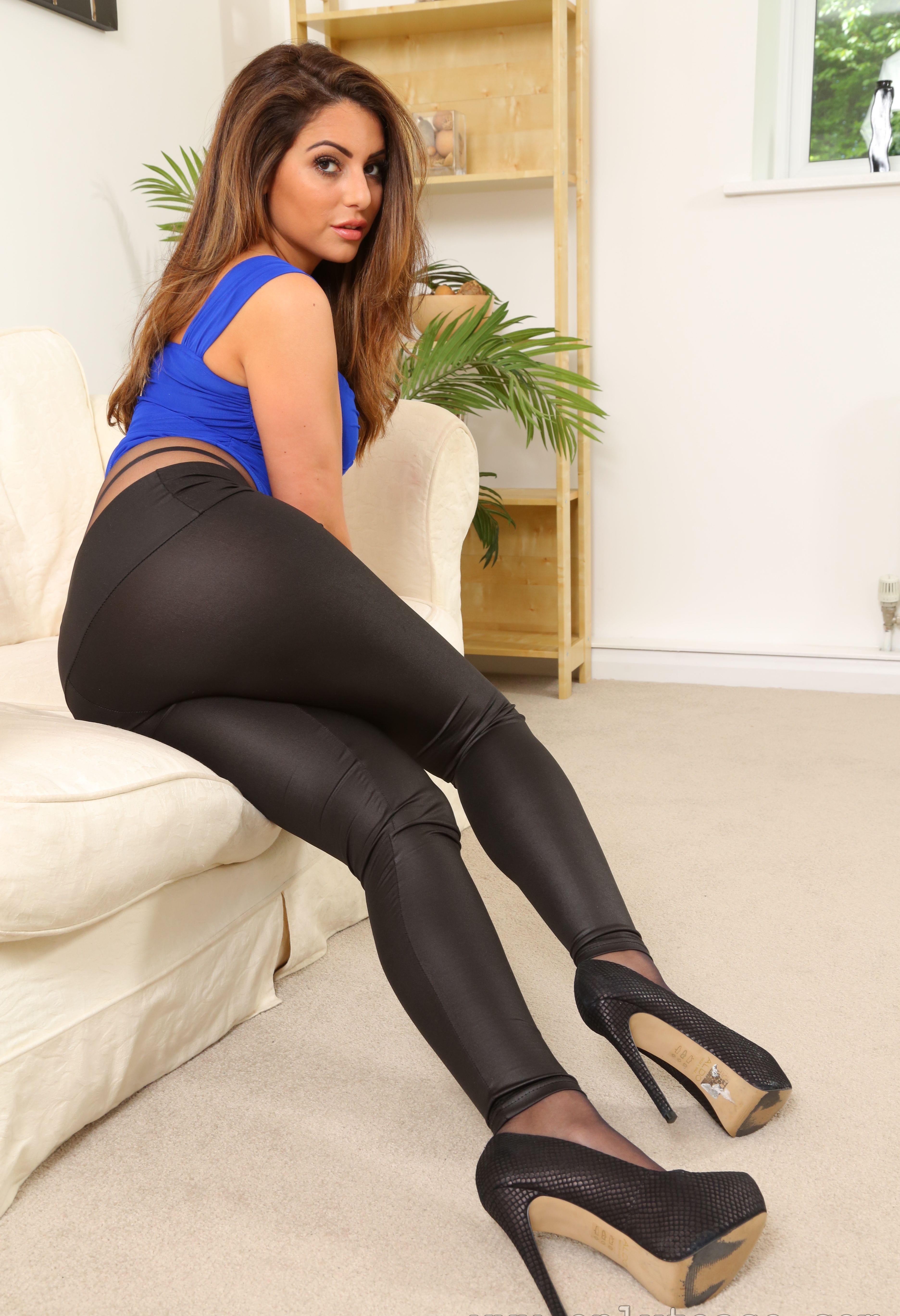 Love cum sexy leggings porno sure