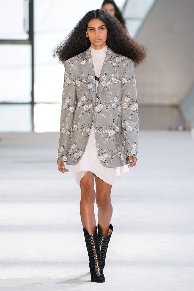 Giambattista Valli Fall 2019 Ready-to-Wear Fashion