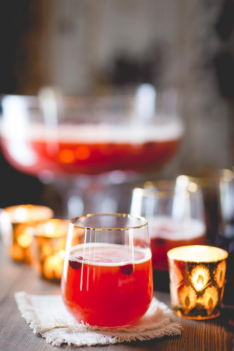 #SPONSORED #JUICECENTRAL Maple Spiced Rum Punch | Drink | Holiday | Christmas | Rum | Maple Syrup | Seltzer | Apple Juice | Cranberry Juice | Winter | Healthy Seasonal Recipes | Katie Webster