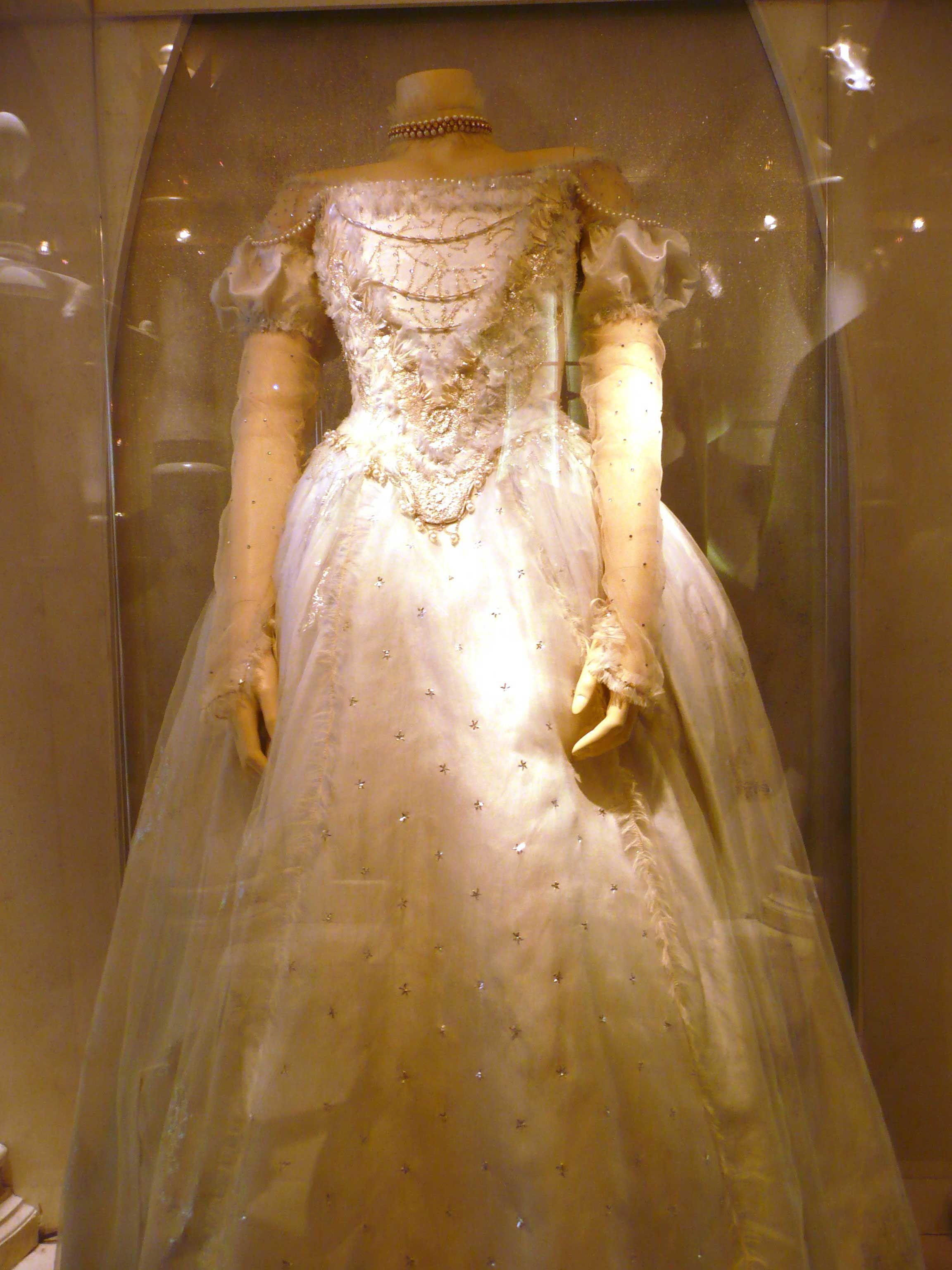 White queen tim burtonus alice and wonderland costumes for party
