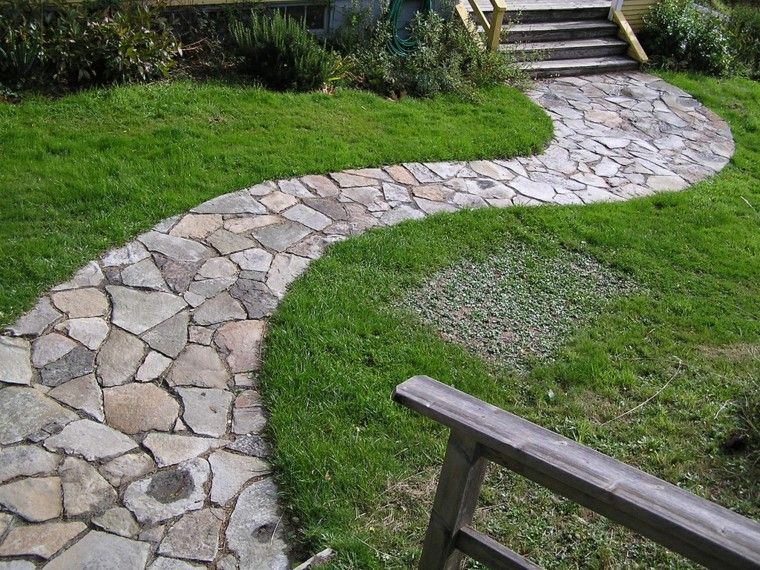senderos jardines escalera madera cesped lajas jard n