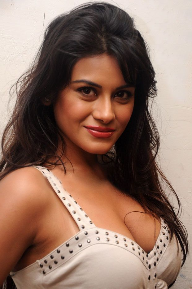 Indian Celebrity Hot Cleavage