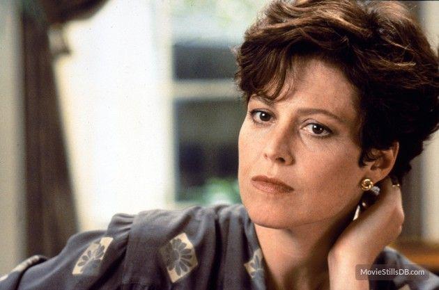 Dave. Sigourney Weaver (1993) | Sigourney, Sigourney weaver ...