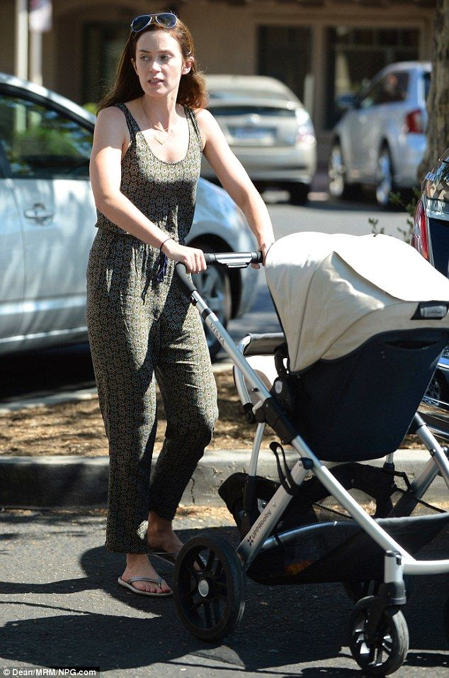 3e04b2f75d Emily Blunt strolled with husband John Krasinski and baby girl Hazel around  LA in the Lindsey VISTA!